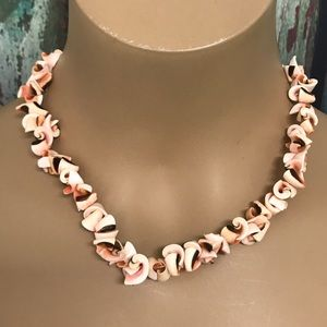 Coral Pink Hawaiian Luhuanus Shell Necklace 17""
